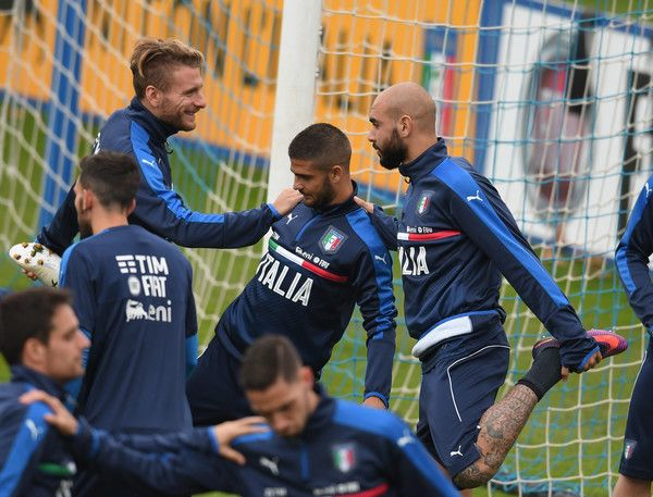 (L-R) Ciro Immobile, Lorenzo Insigne and Simone Zaza of Italy chat during the training session at the club's training ground  at Coverciano on November 10, 2016 in Florence, Italy.