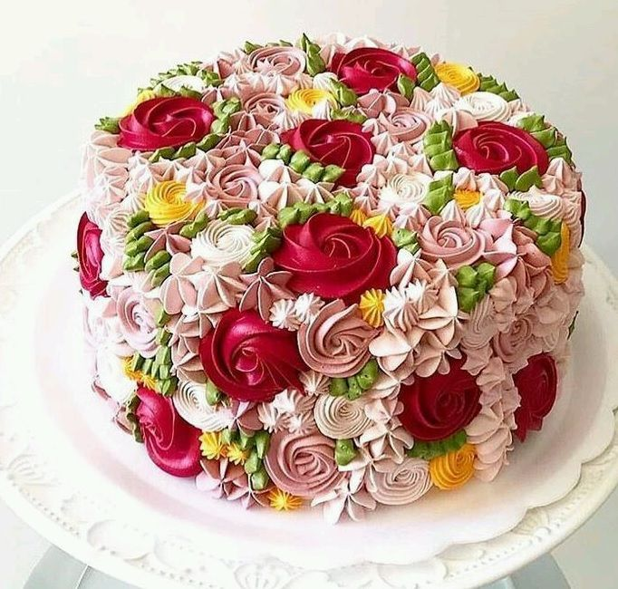 What A Beautiful Edible Bouquet Of Sugary Yumminess Frosting Floralbouquet Floralcake Cakedesign Cake Cake Cover Amazing Cakes Cake