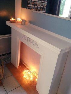 9 best chemin e en carton images on pinterest cardboard fireplace fake fireplace and faux. Black Bedroom Furniture Sets. Home Design Ideas