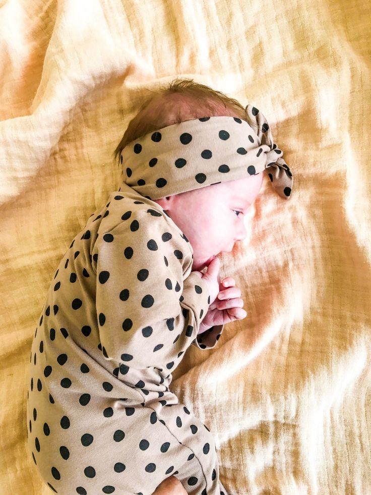Een hoopje schattigheid in een kruippakje - Liesellove