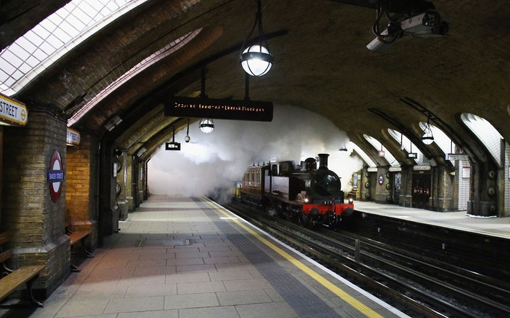 Met Locomotive No 1 atBaker Street 18/12/2012