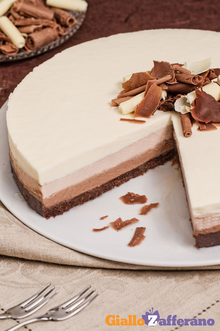 Un vero tripudio di dolcezza con la #CHEESECAKE AL TRIPLO CIOCCOLATO! #ricetta #GialloZafferano: http://ricette.giallozafferano.it/Cheesecake-al-triplo-cioccolato.html #italianrecipe