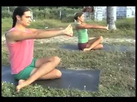 "Clase Gratuita de Yoga en Español - Viernes - ""Same but Different"" - YouTube"