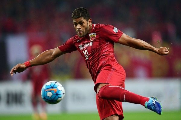 Shanghai SIPG's Brazilian forward Hulk hits the ball during the AFC Asian Champions League group football match between China's Shanghai SIPG and Australia's Western Sydney Wanderers in Shanghai on February 28, 2017. / AFP / Johannes EISELE
