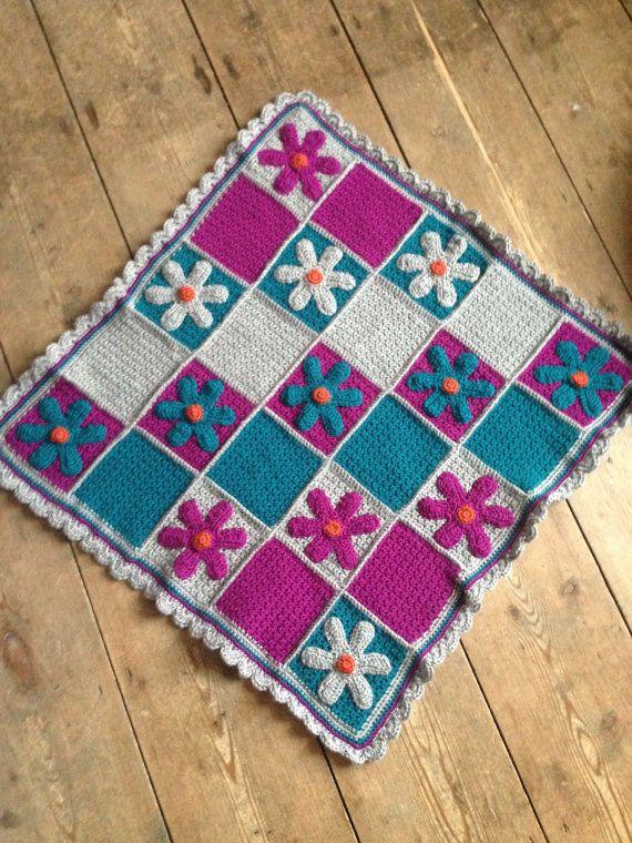 Daisy baby blanket ~ Daisy pram blanket ~ Cot blanket ~ baby girl blanket ~ soft baby blanket ~ crochet blanket ~ baby blanket