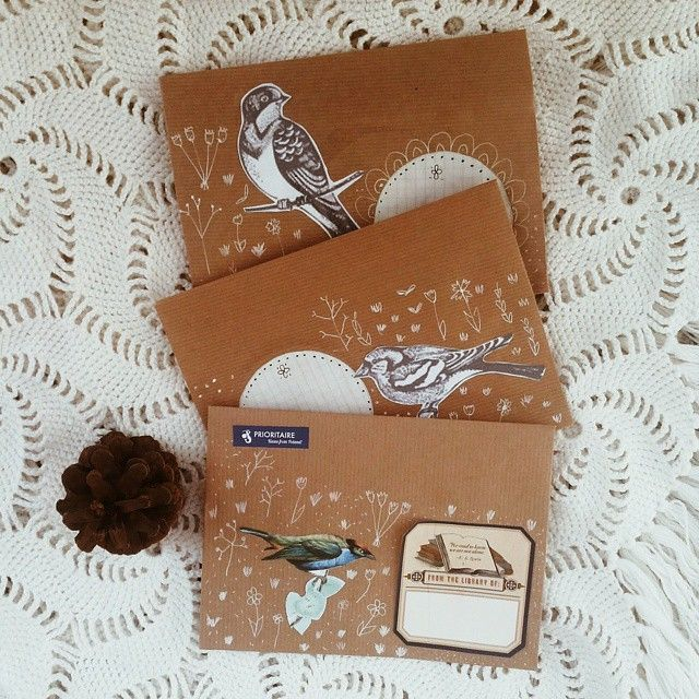 Print out pictures and glue them to the envelope! Seaweed Kisses: For the love of snail mail- Pattie