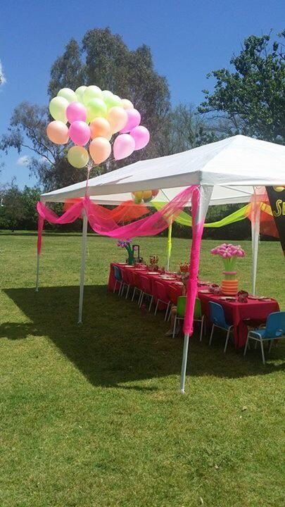 Gorgeous Mobile setup for a very special girls 4th Birthday! Balloon flower centrepieces, fluro tule which is always very effective and affordable!