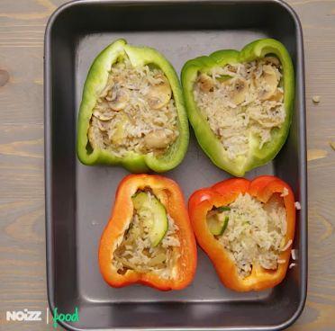 Pieczona papryka z warzywnym farszem