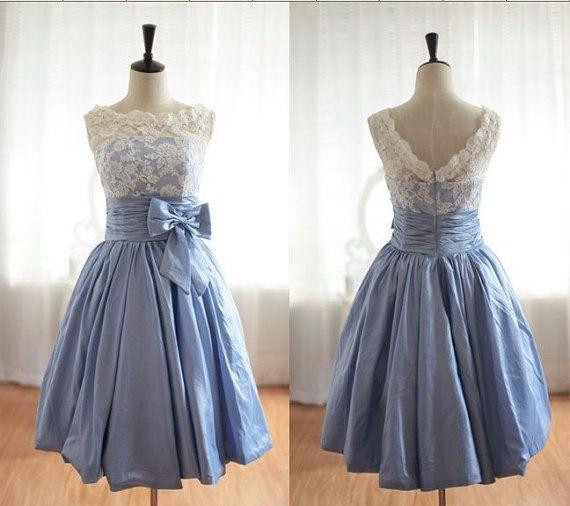 Vintage Lace ispirato blu taffettà Wedding Dress abito nuziale V posteriore merlato Prom ginocchio tè breve Abito da sposa