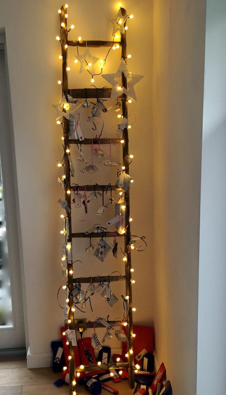 adventskalender alte holzleiter lichterkette und viiiel. Black Bedroom Furniture Sets. Home Design Ideas