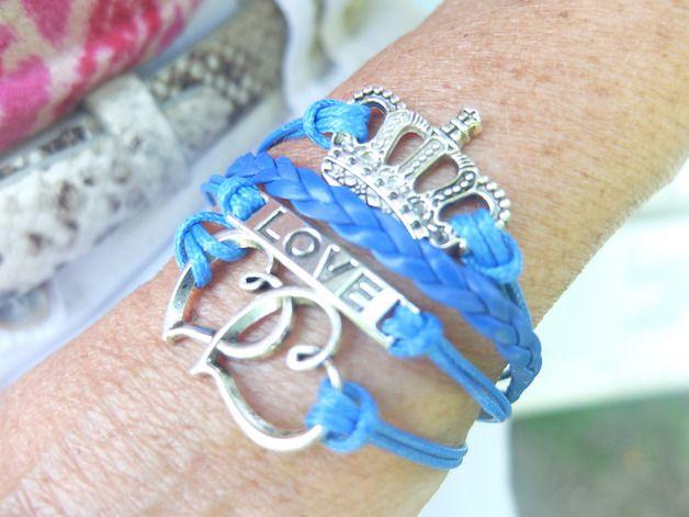 Wickelarmbänder - Süßes Vintage Armband Wickelarmband Krone Leder - ein Designerstück von zwergschmuck bei DaWanda