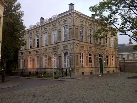 Oude Rijks HBS op het Kasteelplein in Breda
