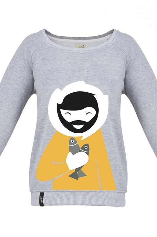 MATRYOSHKA FISHY ESKIMO Very feminine sweatshirt made of high quality fabric in heather gray. Beautifully finished, with a fashionable cut, specially designed with comfort in mind and to meet the exacting demands of its user. Composition: 90% cotton, 10% polyester. Durable print. Created specifically for MTL by an extremely talented Polish graphic designer Kasia Manecka. Graphics by Kasia are fun and evoke a memory of polar climate. #meetthellama #graphic #sweatshirt #pyjama