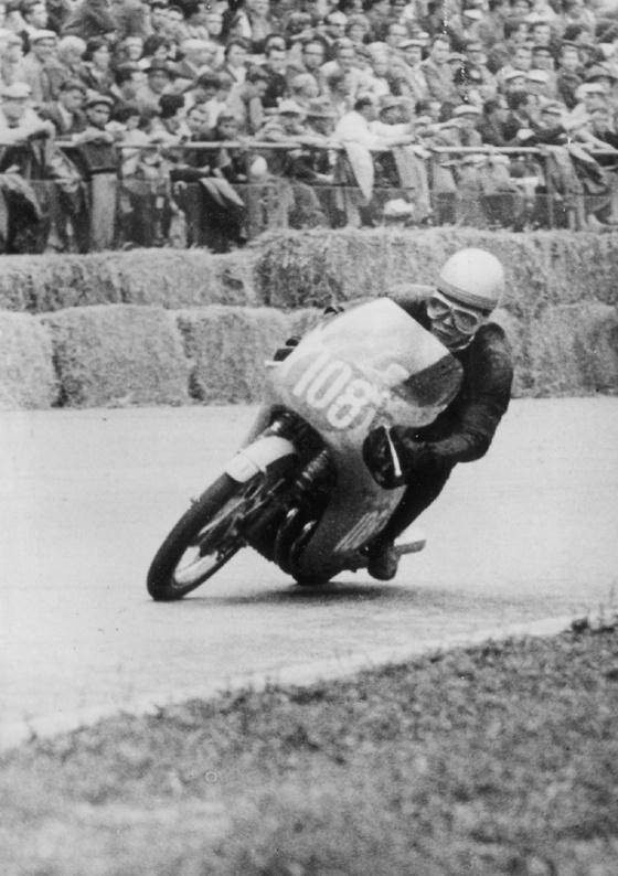1960年ドイツGP ソリチュードリンクの難所、グレムセックベントを走る健二郎さん