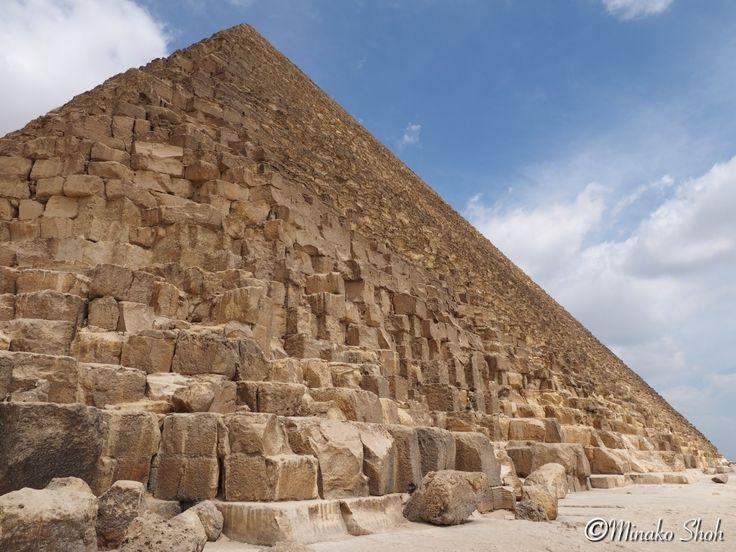 "Pyramids And The Sphinx, Giza City, Giza, Egypt. May 2016, Olympus OM-D E-M1 エジプト・ギザ市、ギザの三大ピラミッドとスフィンクス 2016年5月撮影, Olympus OM-D E-M1 [mapsmarker marker=""390""]"