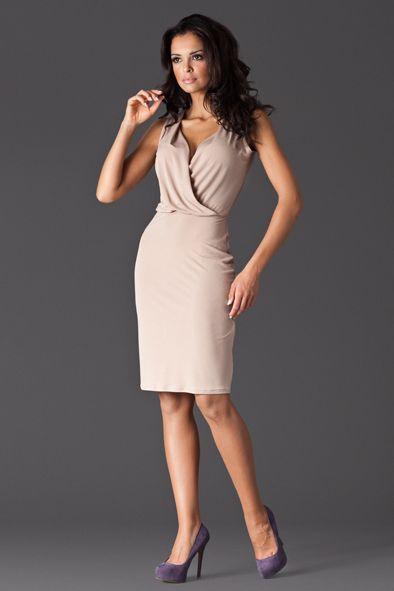 Amazing dress with plunging nackline