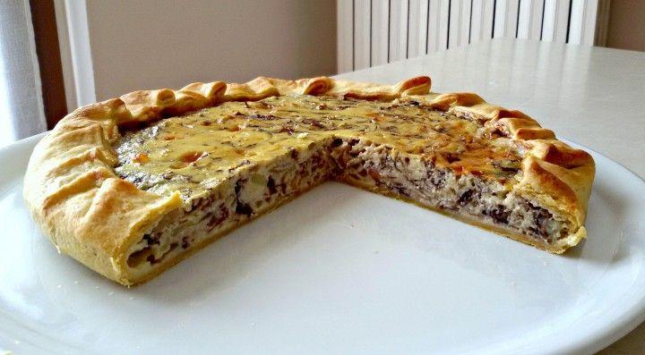 Torta salata radicchio e zola CLICCA QUI PER LA RICETTA-> http://blog.giallozafferano.it/eli93/torta-salata-radicchio-e-zola/