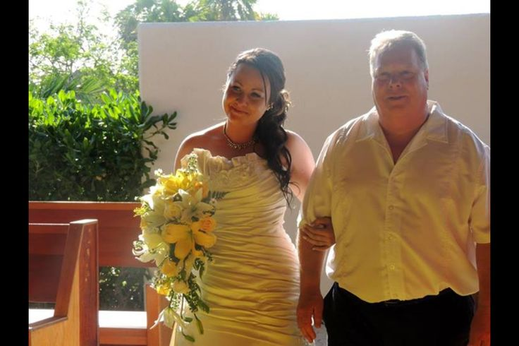 Father & daughter walking down the aisle. Bride with yellow waterfall bouquet #FatherandBride #wedding #Mexico #waterfallbouquet
