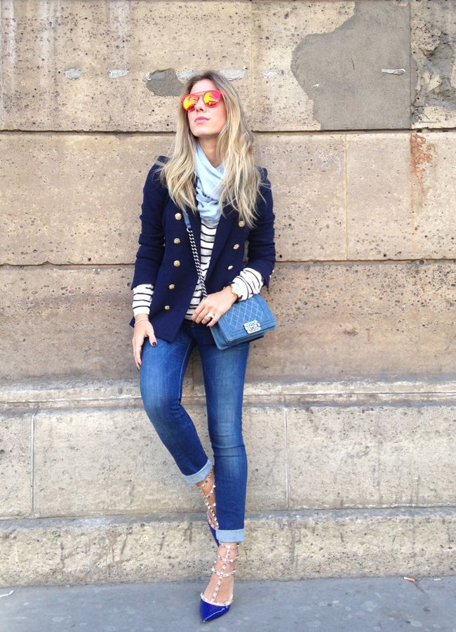 Calça Diesel | Malha H&M | Blazer Zara | Sapato Valentino | Óculos Comprei na loja de acessórios do La Roca Village, em Barcelona | Pashimina comprei no aeroporto, há algum tempo | Bolsa Chanel Boy Jeans