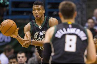 Planet Stars: NBA: Νίκη των Μπακς του Αντετοκούνμπο επί των Σακρ...