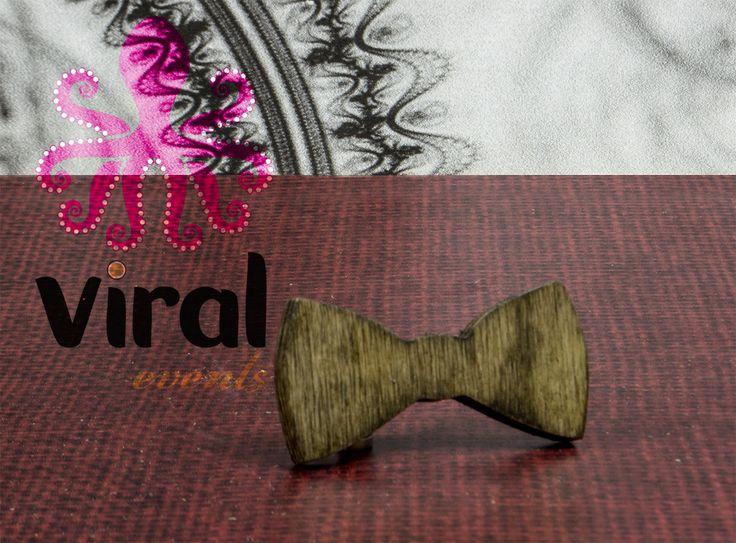 Ξύλινη φιγούρα μπομπονιέρας pappillion, από πραγματικό ξύλο και όχι απομίμηση.