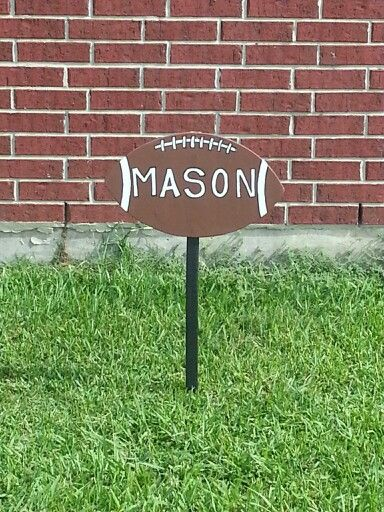 Football yard sign- I would want it a bit bigger!