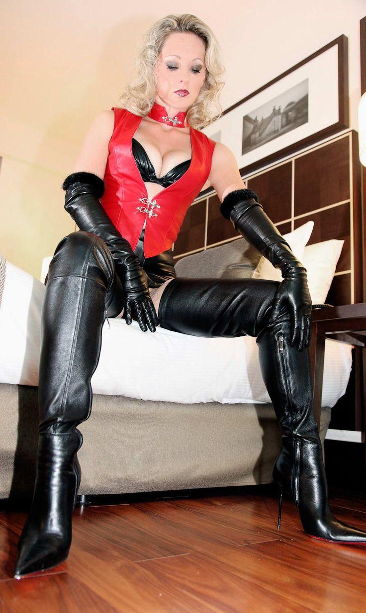 Arvida Worship My Boots Slave Boy 2 Leder