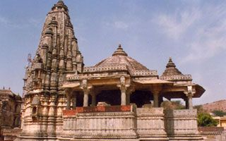 5 nights golden triangle tour with Udaipur