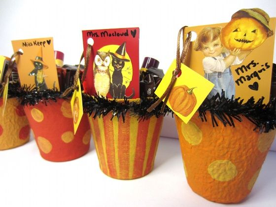 Make Vintage Inspired Halloween Baskets -- Photo Credit: Bonnie Thomas #Halloween #Crafts