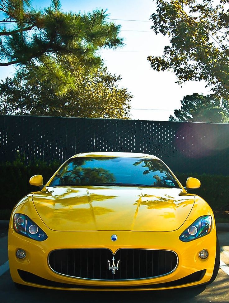 You probably never saw a yellow Maserati, and probably never will, but it remain as beautiful as classy.