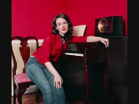 ▶ Laura Cantrell - Bees - YouTube