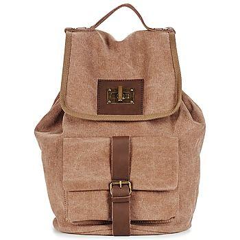 Esta #mochila de la marca Casual Attitude de piel / textil es sencillamente genial. Con su color marrón, el modelo Ginela ¡es lo que estábamos esperando! ¡Si la pruebas, te la quedas! Sus correas acolchadas y regulables aporta un complemento importante a este #bolso.  #spartoo #bolsomoda #moda #zapatos #zapatillas #online #mochila #mujer   http://www.spartoo.es/Casual-Attitude-GINELA-x1066046.php