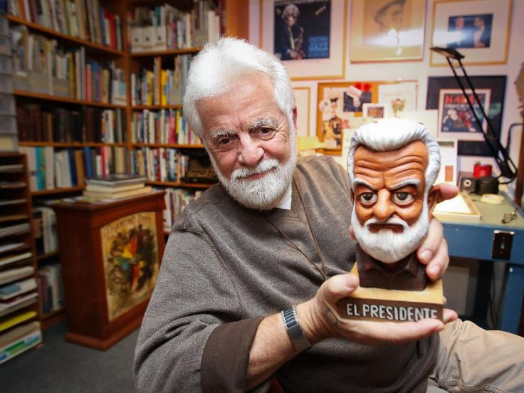 Terry Mosher, aka Aislin, with a bust of himself created by Quebec City cartoonist Christian Daigle, aka Fleg, Sept. 30, 2014.
