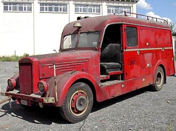 1000 id es sur le th me vieux camions sur pinterest camions chevy et voitures abandonn es. Black Bedroom Furniture Sets. Home Design Ideas