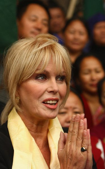 Joanna Lumley Shows Support For Gurkhas Challenging Jacqui Smith / Supporting the Gurkhas.
