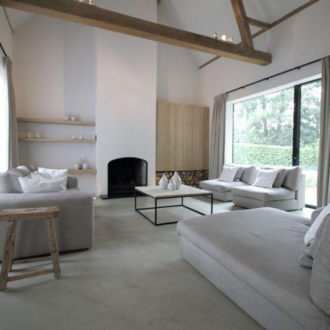 Deze exclusieve interieurs op maat weerspiegelen de wensen van onze klanten. Met een scherp oog voor detail en kwaliteit.