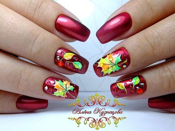 The best autumn nail design 2017 with a maple leaf pattern.