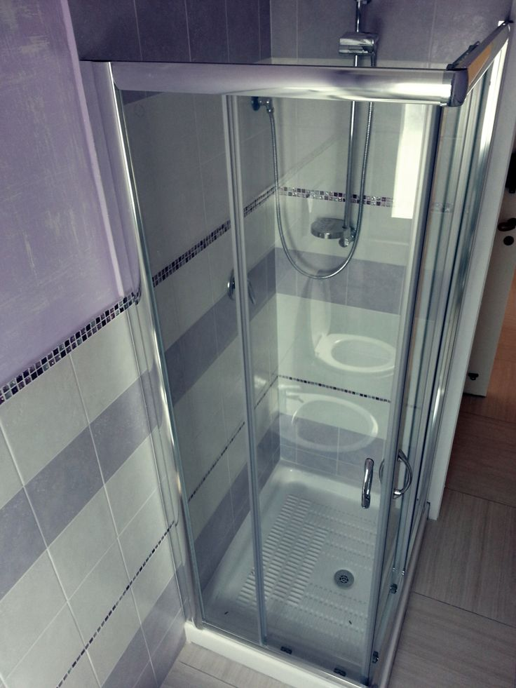 Oltre 25 fantastiche idee su bagno con mosaico su pinterest bagni bagni in piastrelle a - Idee rivestimento bagno ...