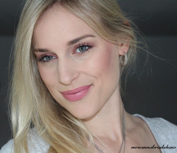 2FACED MELTED PEONY IN LIPS.. CP SEQUIN LIDS..LOVE THIS LOOK..mrsannabradshaw: ColourPop Super Shock Shadow - Sequin