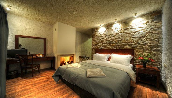 Χριστούγεννα, Πρωτοχρονιά ΚΑΙ Φώτα στην Ορεινή Καστοριά, στο Hotel 1450! Απολαύστε 3 ημέρες / 2 διανυκτερεύσεις ΚΑΙ για τα 2 Άτομα ΚΑΙ ένα Παιδί έως 3 ετών σε Superior δίκλινο δωμάτιο με Τζάκι και Πρωινό σε Μπουφέ με τοπικά προϊόντα όπως μέλι, μαρμελάδες,