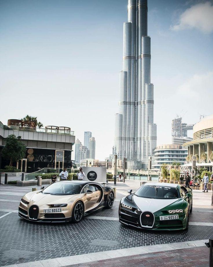 2 Bugatti Chirons #bugattisupercar