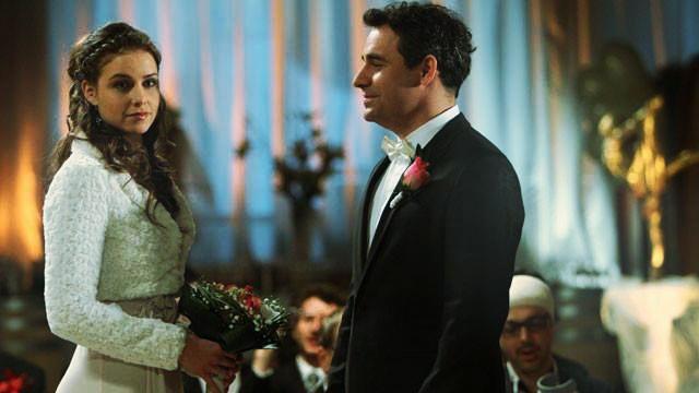 Stihne Martin prekaziť svadbu Niny a Andrého na poslednú chvíľu? Viac na http://burlivevino.markiza.sk/clanok/aktualne/najsmutnejsia-svadba-pociskova-pred-najvacsou-dilemou.html