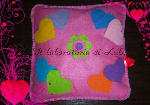 Cuscino cuori  Fantastico regalo x bimbe romantiche! !