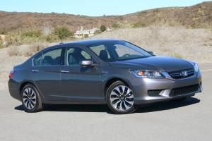 You can find plenty of lists of the most fuel-efficient cars on the US market -- but how many would you want to drive? We'll take you through each of these cars and tell you which ones you'll want to drive and which ones you'll want to leave by the side of the road.: #3: 2014 Honda Accord Hybrid