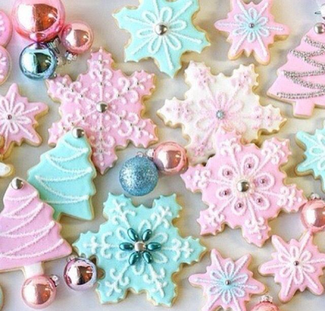 Snowflake cookies - perfect Christmas high tea cookies!