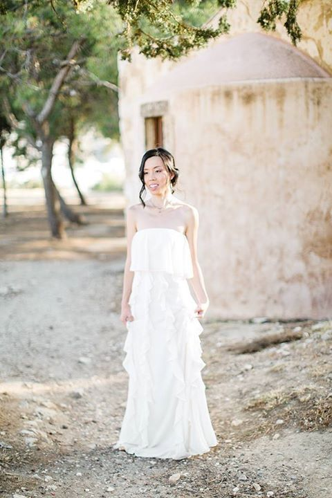 We feel it's time to pretty up your Wednesday evening with this #bridalportrait. Suk Yi & Roy, less than three months now until the big day - how exciting!  #beautifulbridetobe #destinationwedding #weddinginGreece