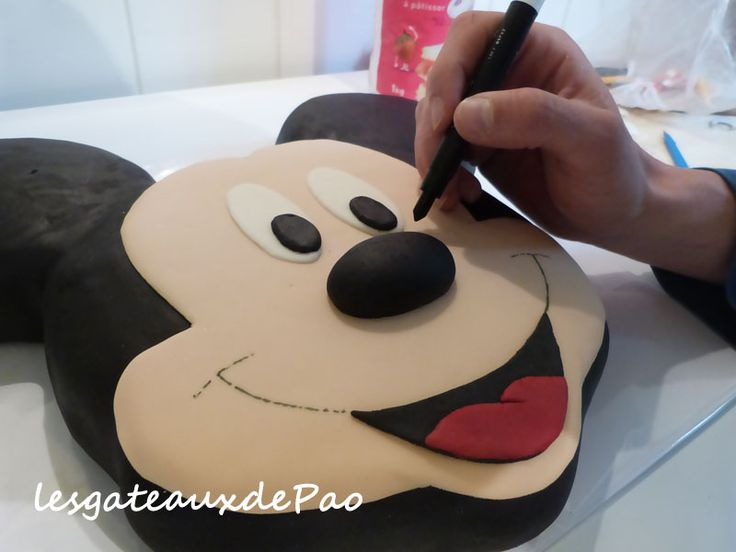 Tuto mickey etape23 gateau minni - Gateau mickey facile ...