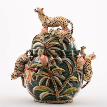 Paris - Perimeter art gallery hosts 'Visions africaines' with a selection of designers from Mali, Kenya and South Africa. (illustration: Cheetah Tureen by Ardmore Studio, South Africa) November 16 - December 30, 2012 www.perimeter-artanddesign.com