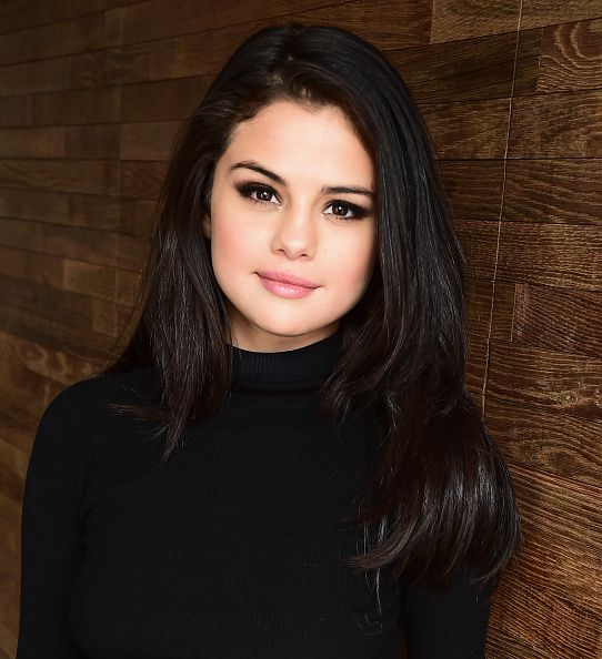 "January 29: Selena posing for portraits for ""The Fundamentals Of Caring"" during the 2016 Sundance Film Festival in Park City, Utah [GP]"