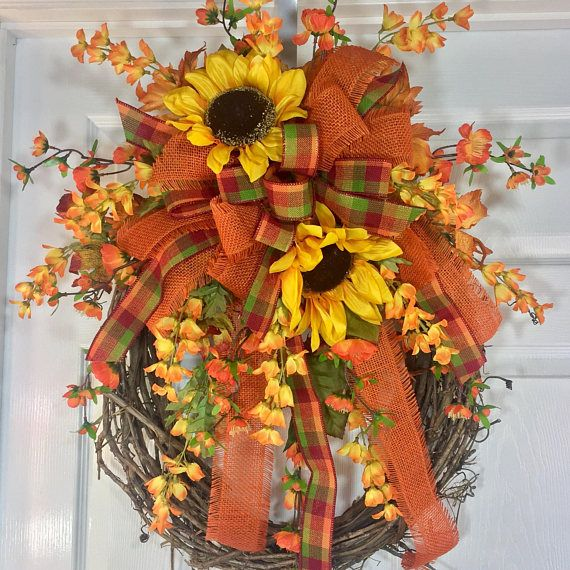 Round Autumn Fall Natural Grapevine Wreath